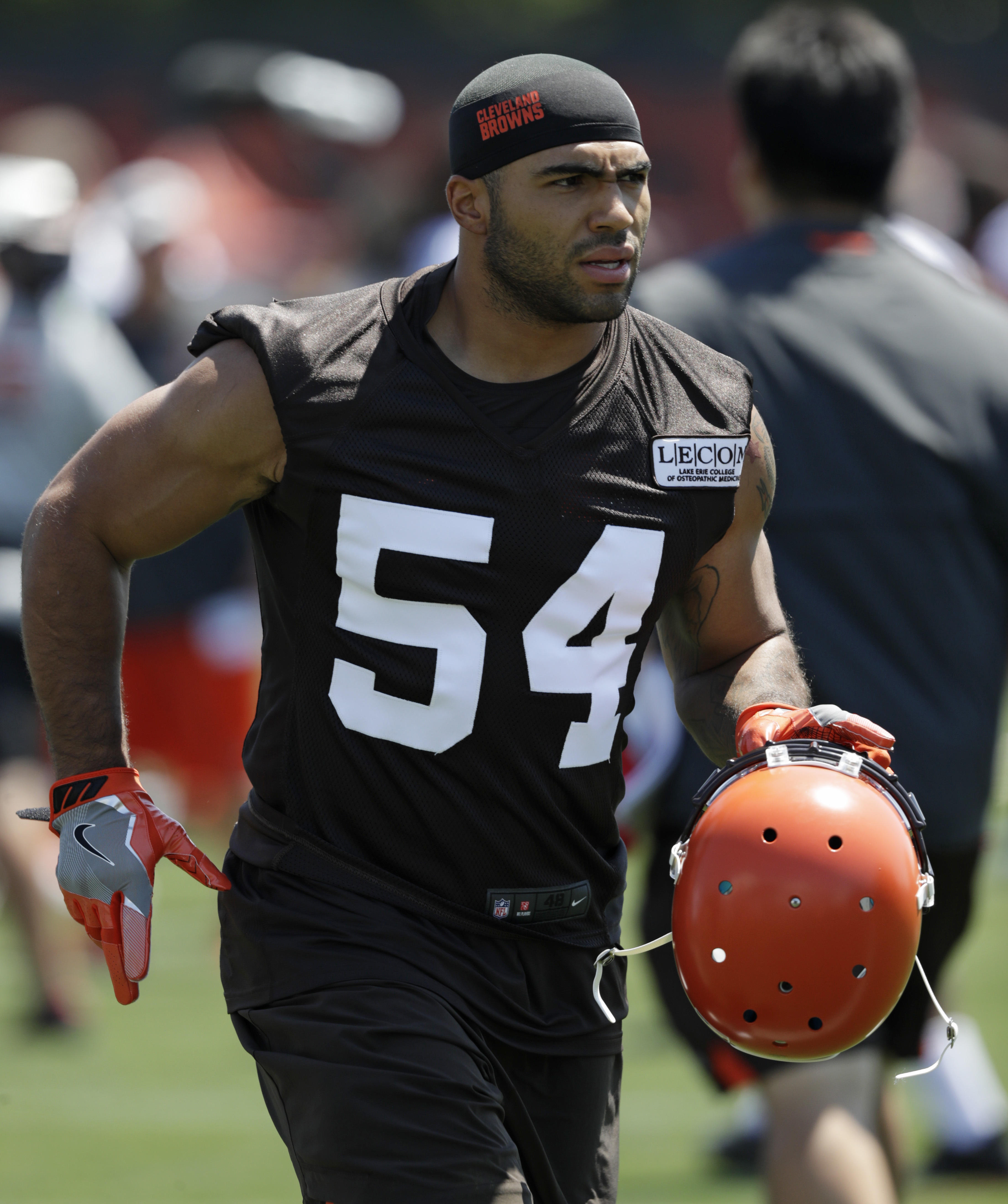 Cleveland Browns drop linebacker Mychal Kendricks after he admits he  engaged in insider trading 0a68e7626