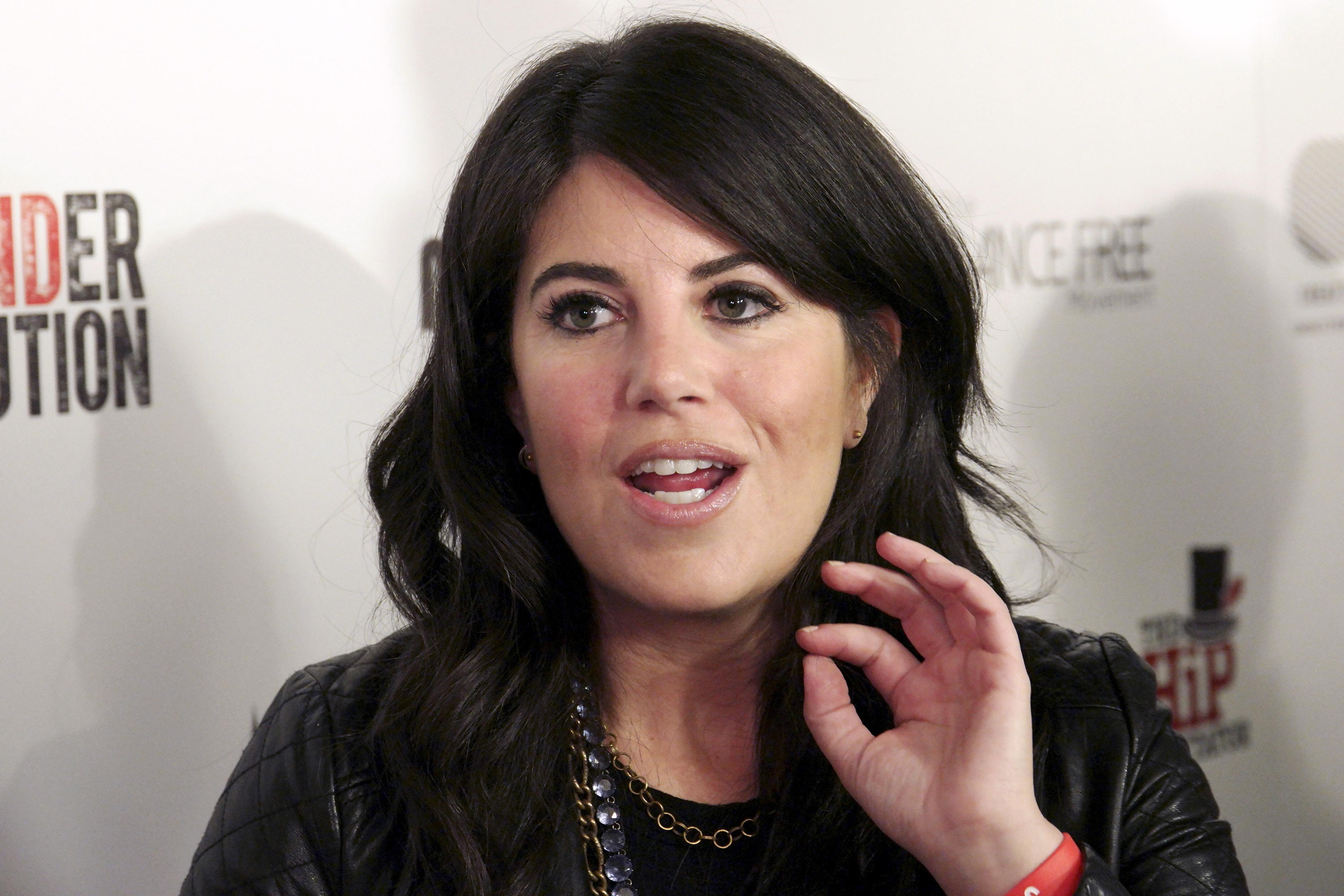 monica-lewinsky-storms-off-stage-over-question-about-bill-clinton