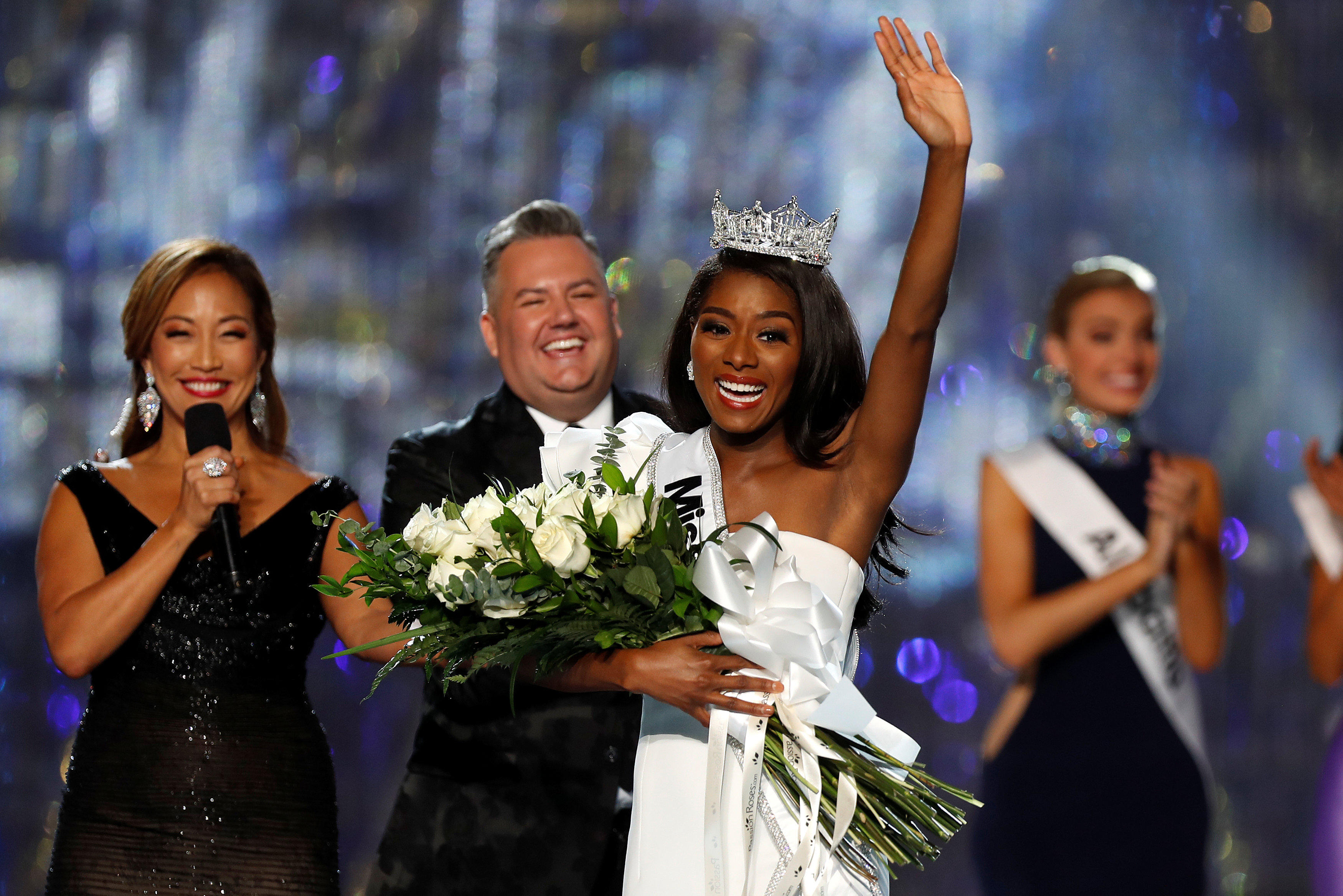0c7e640087 Miss America crowned as Nia Imani Franklin, Miss New York, wins ...