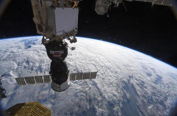 Space station commander flatly denies crew caused leak