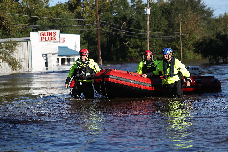 Trump heads to North Carolina to survey Hurricane Florence damage