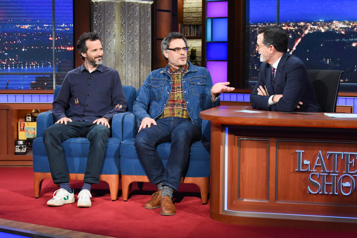 Flight Of The Conchords Play New Song On Late Show