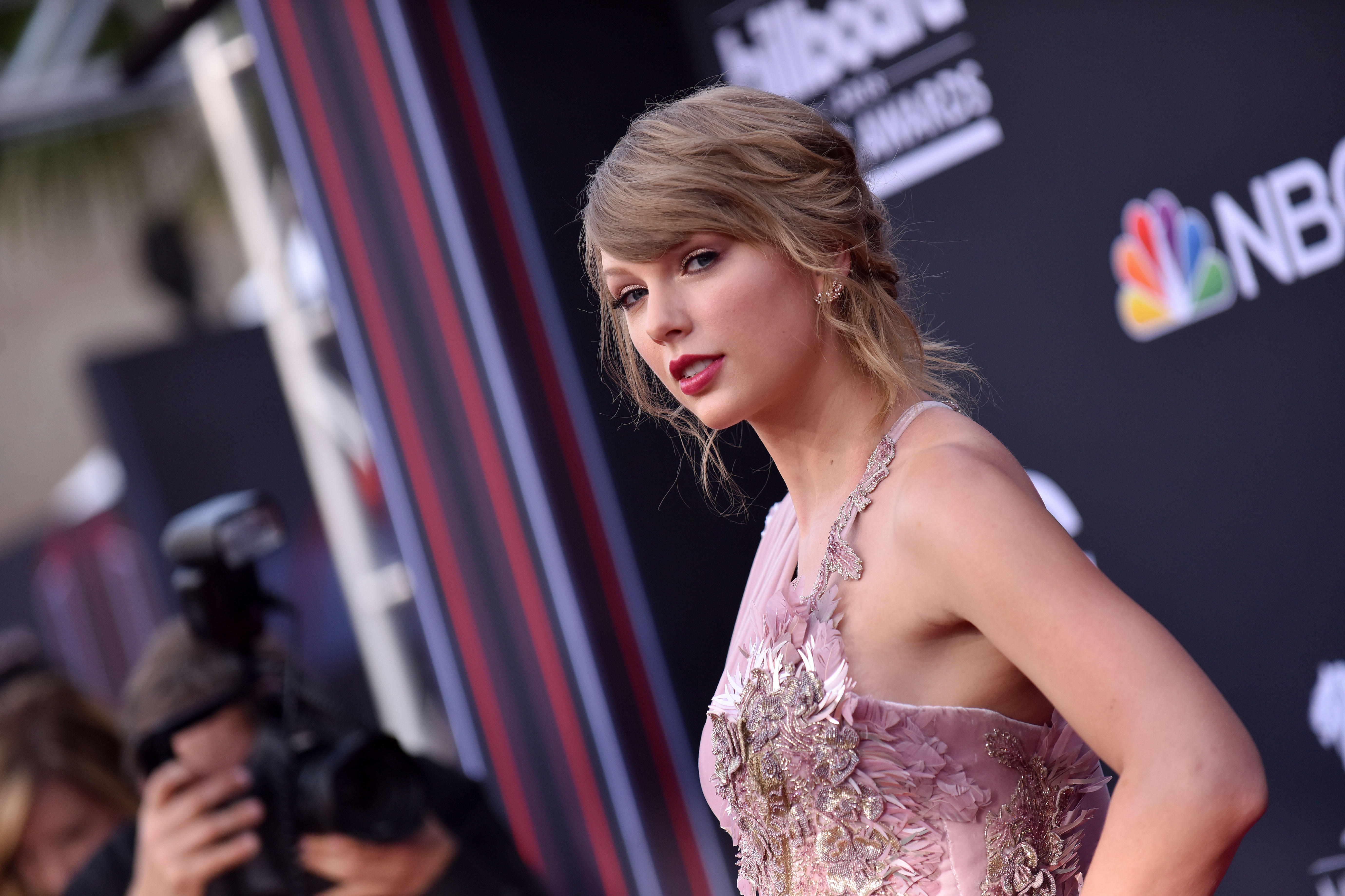 14c2d568a333 Taylor Swift breaks political silence to support Tennessee Democrats ...