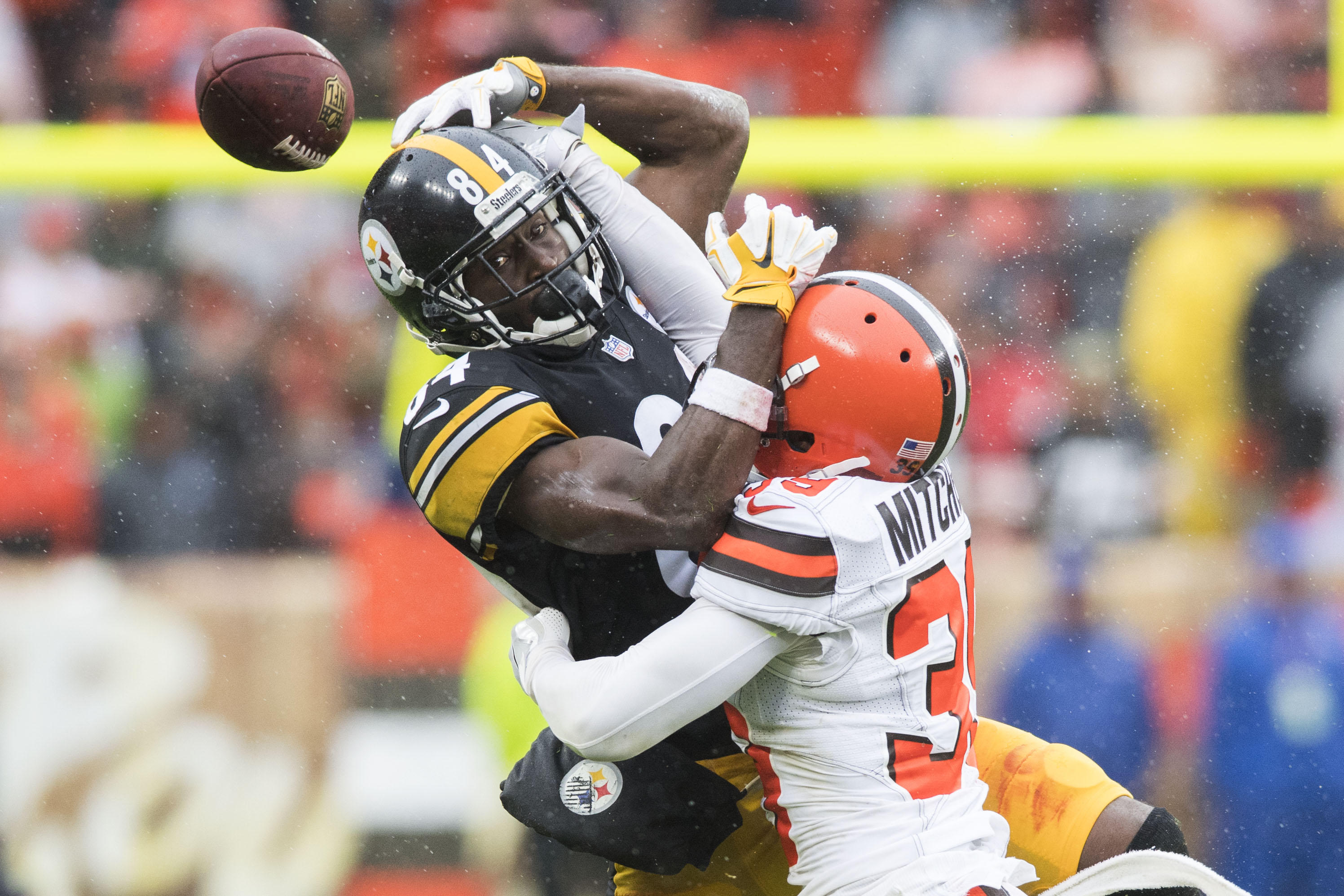 823332f6c Steelers  Antonio Brown accused of nearly hitting toddler with furniture  thrown from balcony