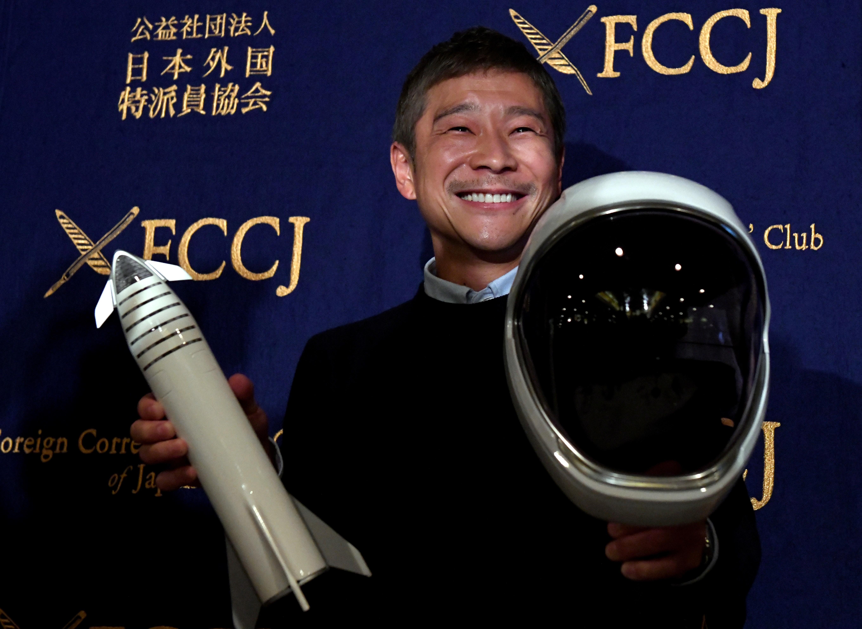 Elon Musk's 1st moon flight passenger, Japanese