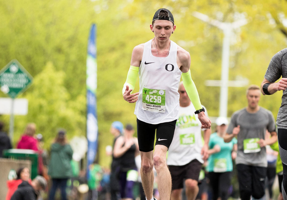 timeless design dd30a e614d Runner becomes first pro athlete with cerebral palsy to sign with Nike