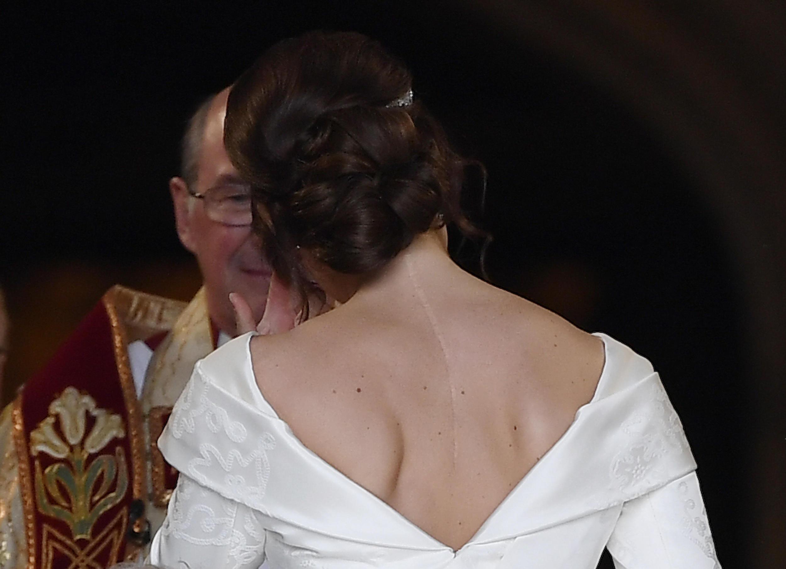 b3595564cca35 Princess Eugenie: 'I wanted my wedding dress to show my scar' - CBS News