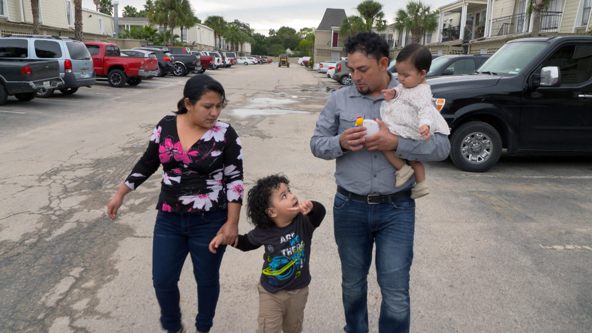 e6a3b85348e The chaos behind Donald Trump's policy of family separation at the border