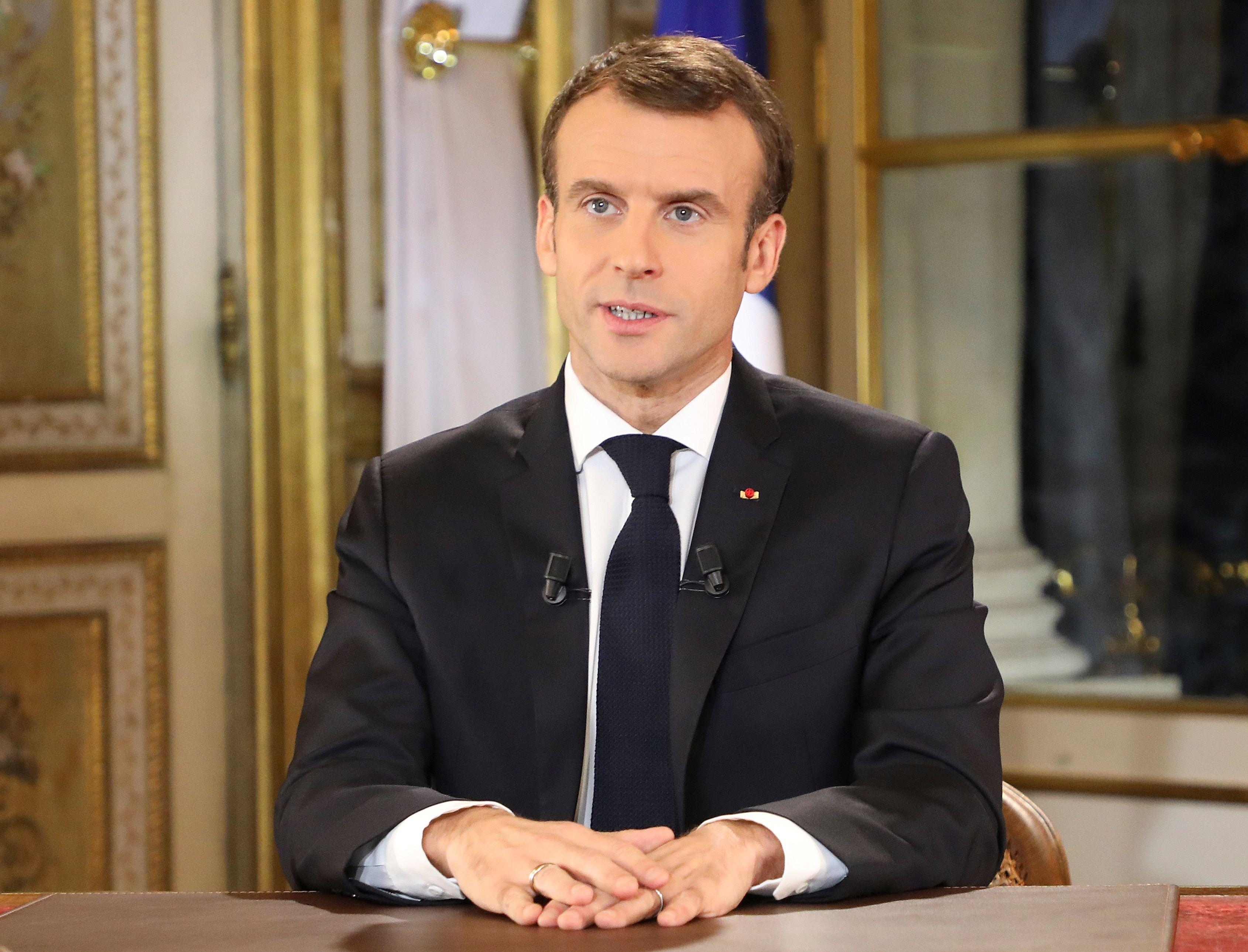 French President Emmanuel Macron Promises Tax Relief Year End Bonuses After Days Of Violent Yellow Vest Protests Cbs News