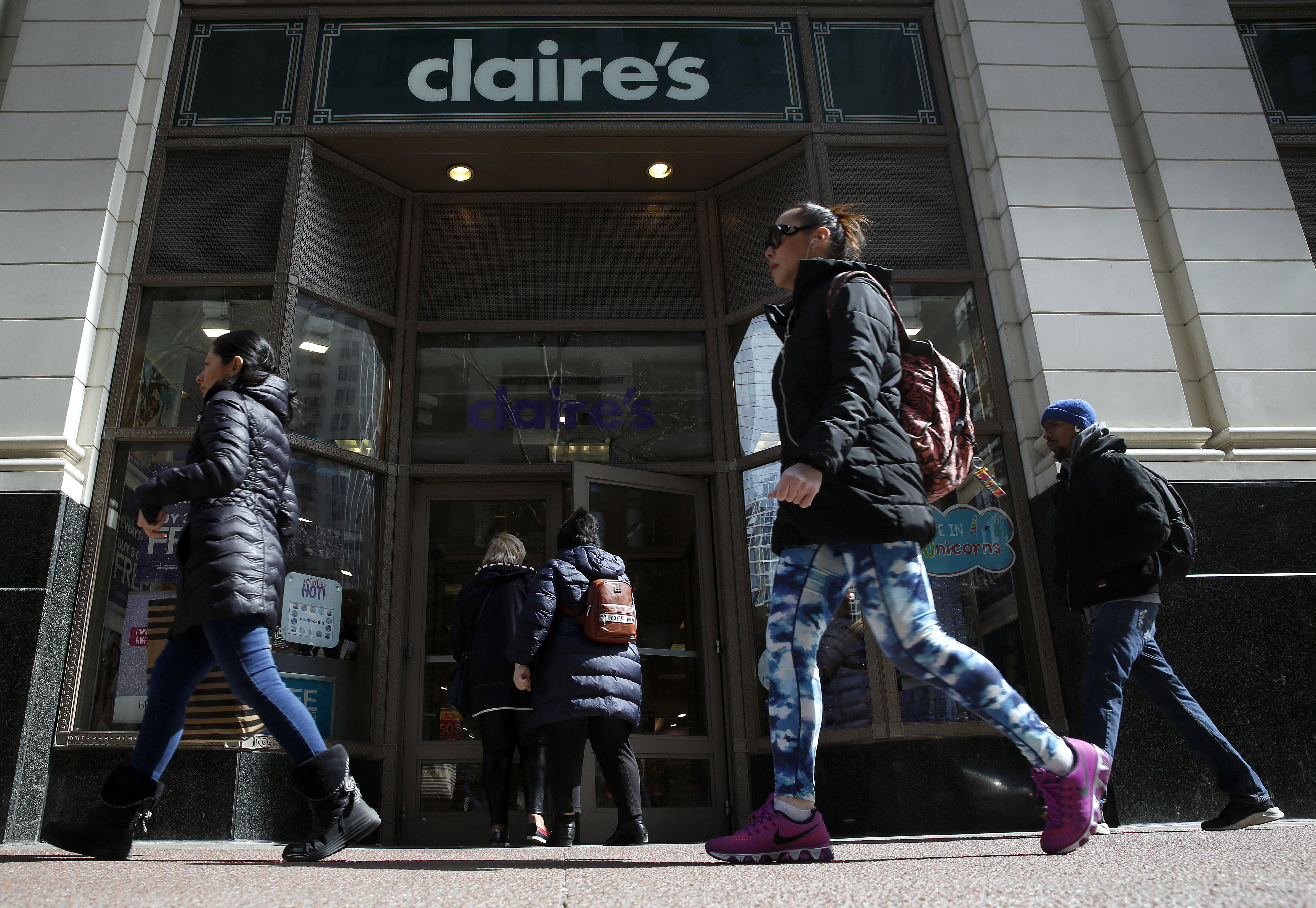 Asbestos in makeup: FDA finds asbestos in more cosmetics from Claire's Stores and Beauty Plus Global