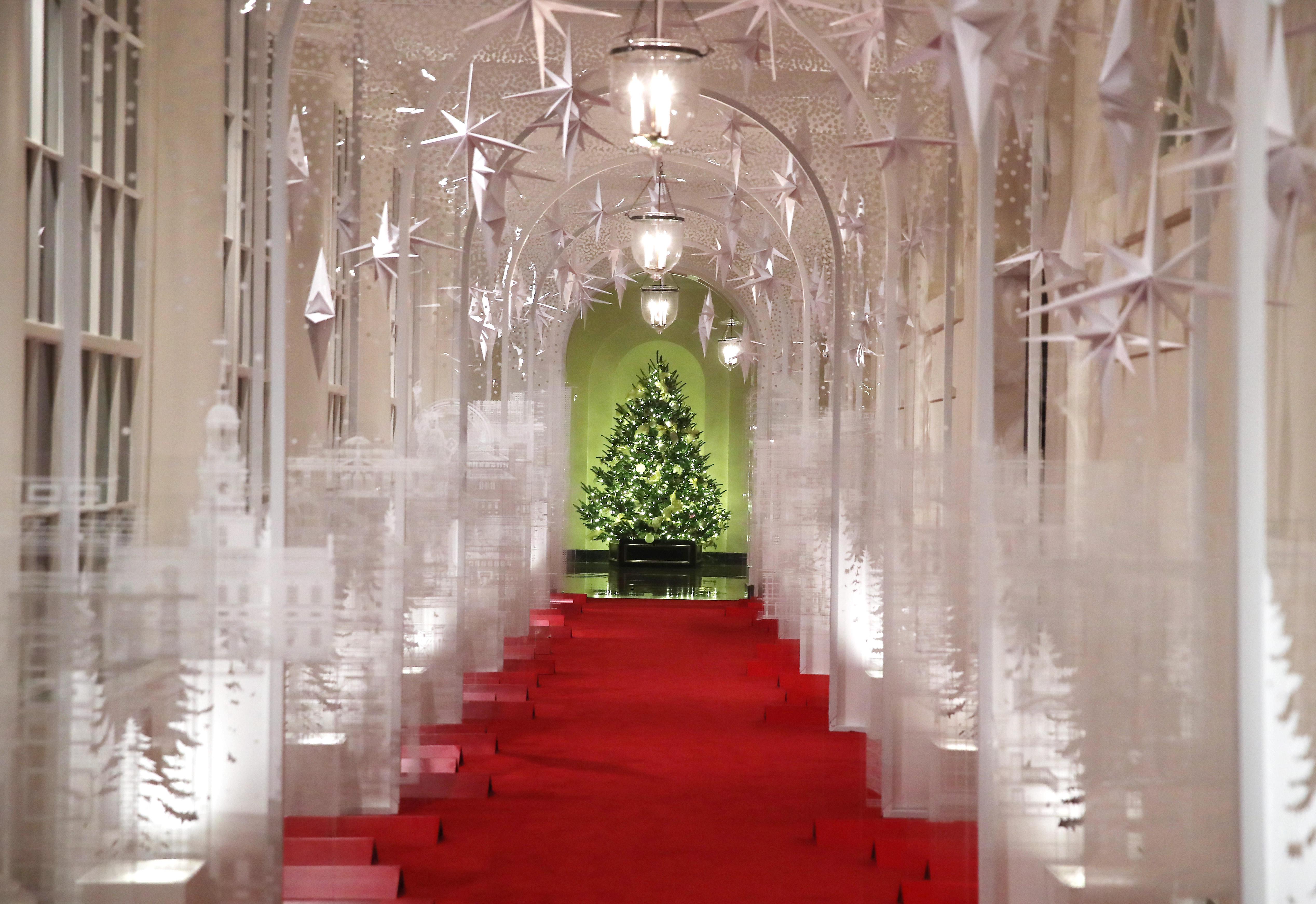 White House Christmas Decorations 2019 Photos Cbs News