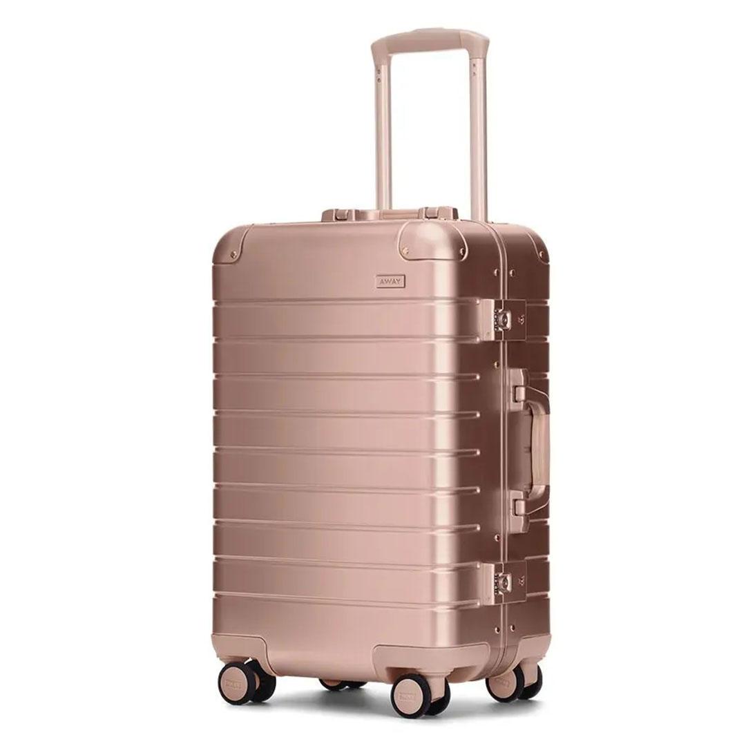 cbsnews-luggage-5.jpg