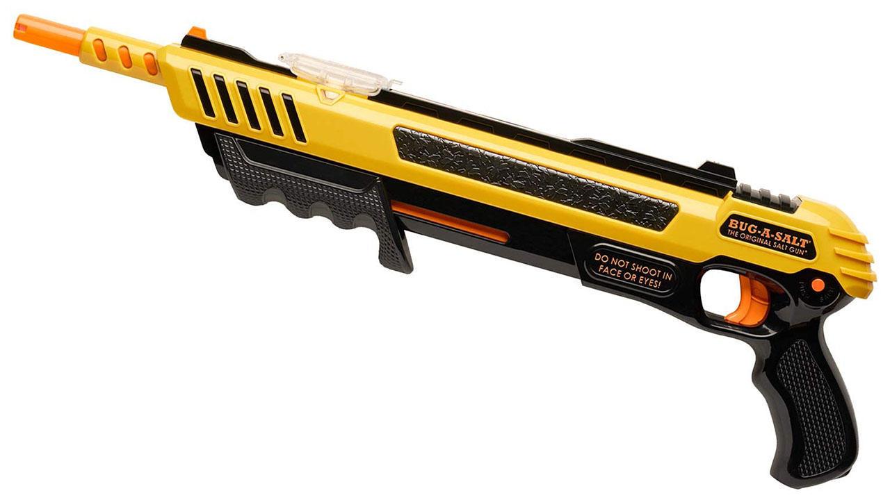 cbsnews-summer-7-bug-gun.jpg