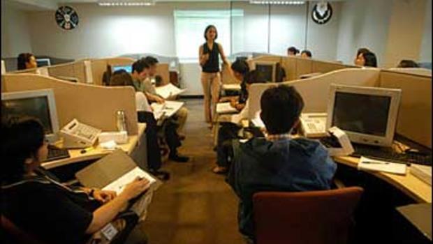call center jobs drifting overseas cbs news. Black Bedroom Furniture Sets. Home Design Ideas