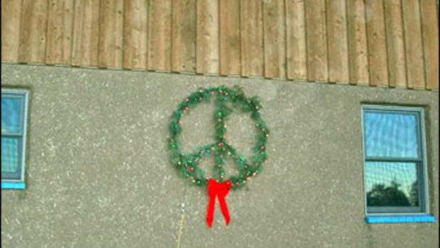 Peace Sign A Symbol Of Satan Cbs News