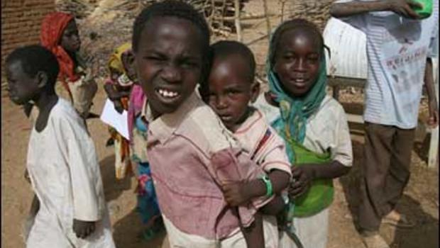 Children in a Darfur refugee camp