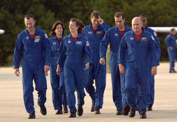 Endeavour Mission STS-118 - Ph...