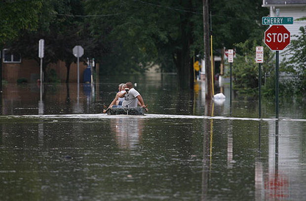 Waters Rise In Midwest