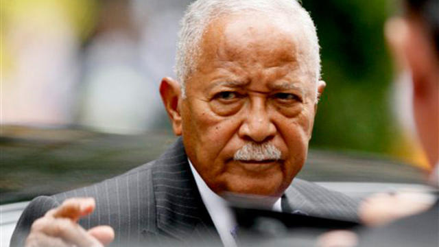 Former New York City Mayor David Dinkins arrives for Walter Cronkite's funeral at St. Bartholomew's Church on Park Ave. in New York, Thursday, July 23, 2009. Cronkite died last Friday at his Manhattan home at age 92. (AP Photo/Kathy Willens)