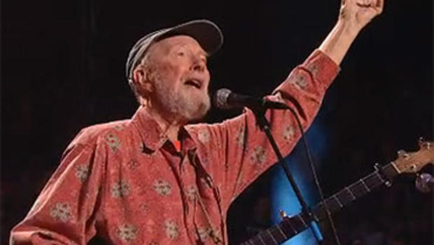 Pete Seeger, performing at his 90th birthday celebration at New York's Madison Square Garden in 2009.