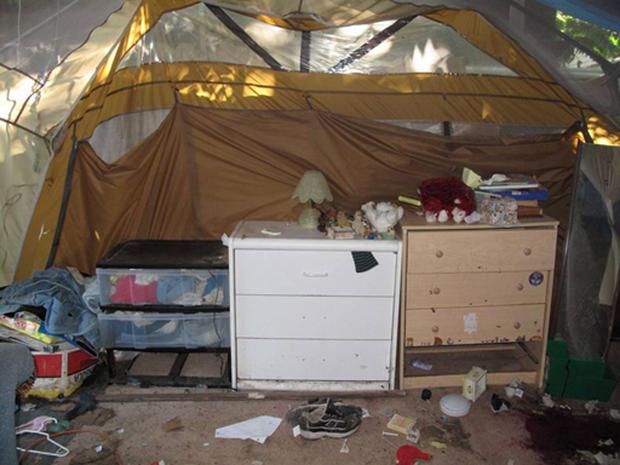 & Inside Jaycee Dugardu0027s terror tent - Photo 1 - Pictures - CBS News