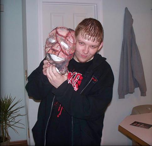 Horrorcore Artist Slays Fans