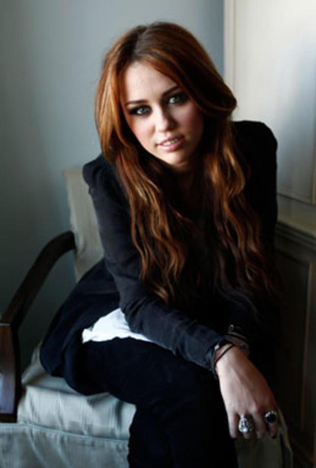 10_-_Miley_Cyrus.jpg