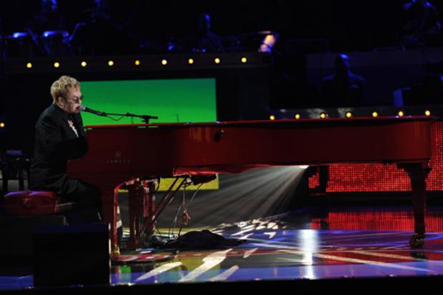 Idol-Elton.jpg