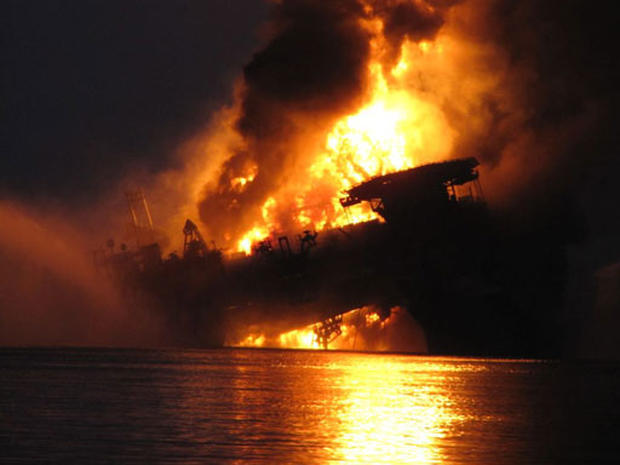 Credit Clean Up >> Louisiana Oil Rig Explosion - Photo 1 - Pictures - CBS News