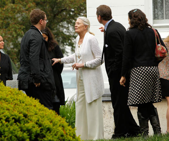 Lynn Redgrave Laid to Rest