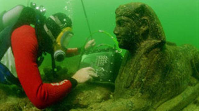 underwatere_sphyinx.jpg