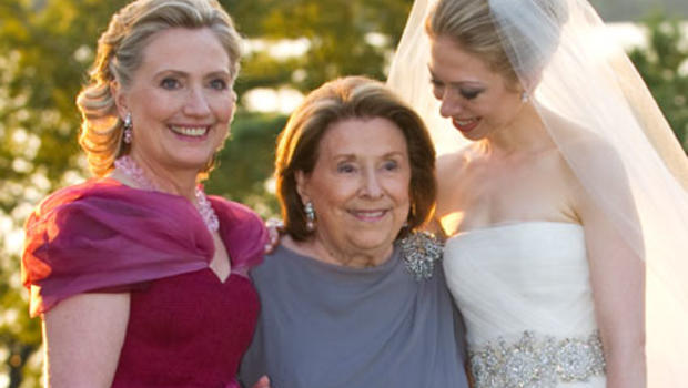 New Chelsea Clinton Wedding Photo Shows Bride With Mother Grandmother Cbs News