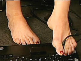 Woman Uses Toes to Type Message for Help, Police Rescue Her After Apparent Robbery