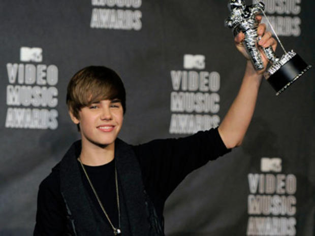 Justin Bieber May Evade Assault Charges, Plans to Speak at Concert, Say Reports
