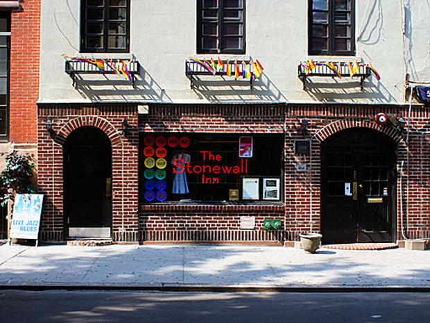 Stonewall Inn wins landmark status