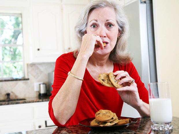 21_food_mature_woman.jpg