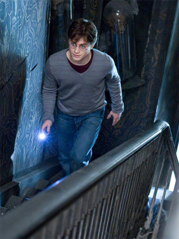 e_Harry_Potter_and_the_Deathly_Hallows_-_Part_1_1.jpg