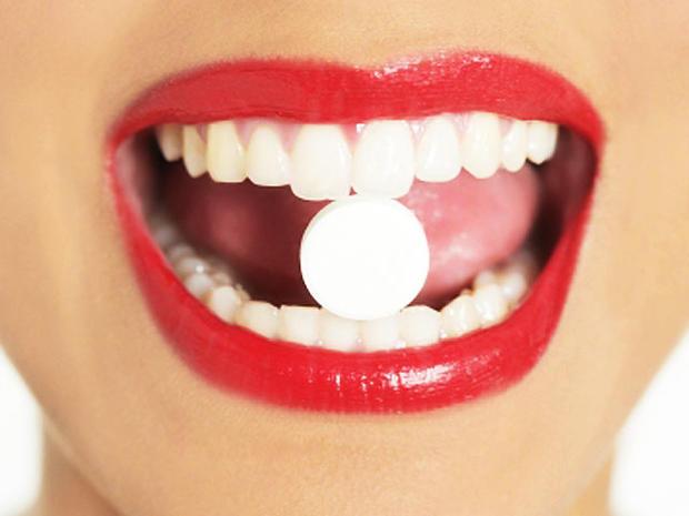 mouth-lips-pill.jpg