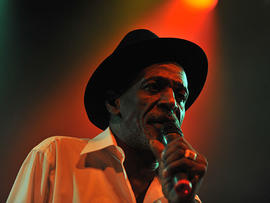 Reggae Legend Gregory Isaacs performs at the Sunset House of Blues in West Hollywood, Calif. on Wednesday, June 23, 2010 (AP Photo/Robert Kenney)