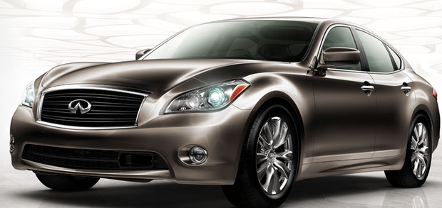 Nissan Debuts a Hybrid Vehicle, the Luxury Infiniti M
