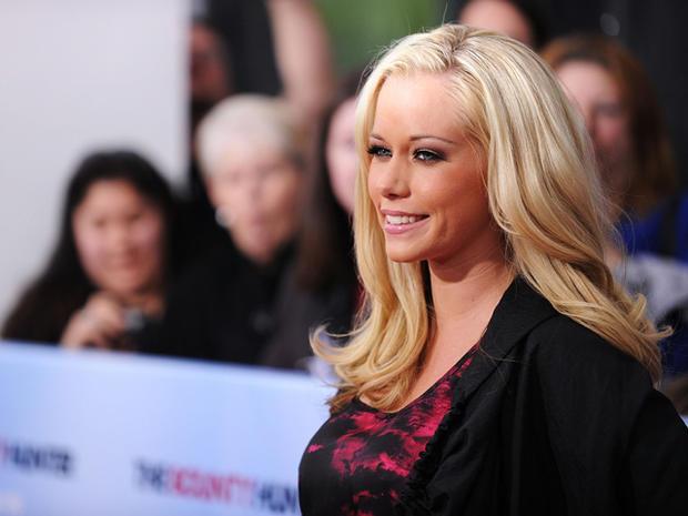 10 Celebrities Who Battled Postpartum Depression