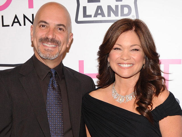 Valerie Bertinelli Shania Twain Get Married On New Year S Day Who Will Be Next Cbs News