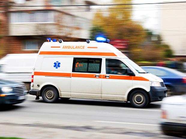 ambulance-_000011180492XSma.jpg