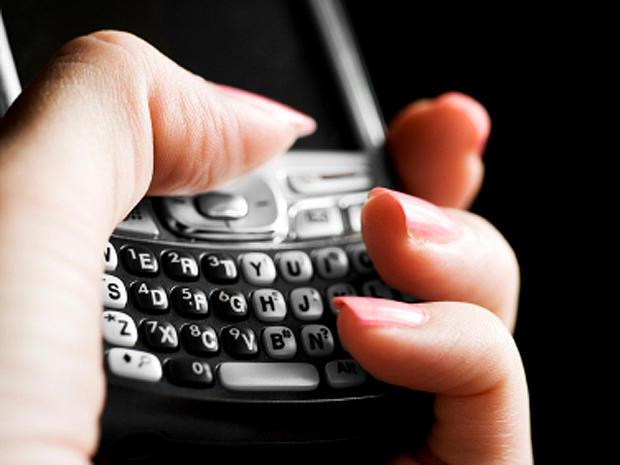 texting, blackberry, stock, 4x3