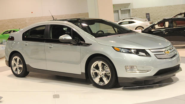 volt sticker shock supercharged prices for chevy 39 s plug in hybrid cbs news. Black Bedroom Furniture Sets. Home Design Ideas