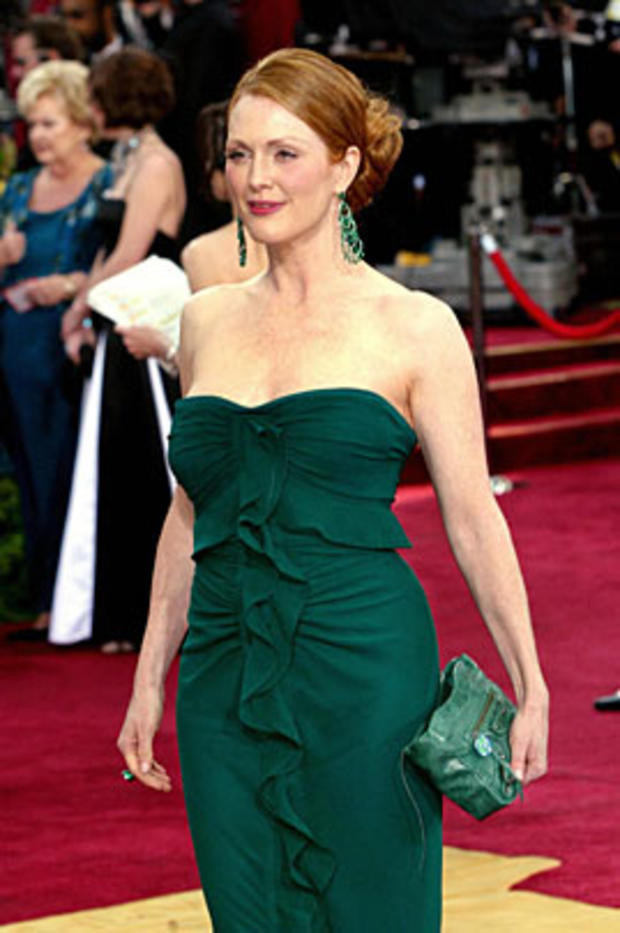 Julianne Moore arrives at the 75th Academy Awards in Hollywood, California, March 23, 2003. Moore is nominated for Best Actress for her performance in 'Far from Heaven,' and for Best Supporting Actress for her work in 'The Hours.' Her pair of nominations