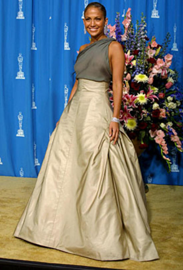 Actress Jennifer Lopez poses for the photographers at the Shrine Auditorium during the 73rd Academy Awards in Los Angeles 25 March, 2001. AFP PHOTO LEE CELANO (Photo credit should read LEE CELANO/AFP/Getty Images)