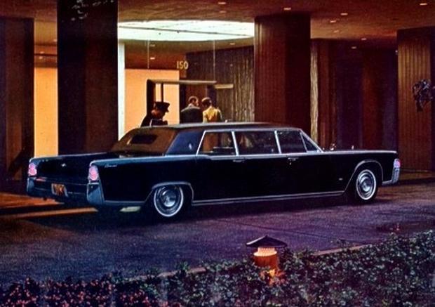"1928 Cadillac ""Al Capone"" Town Sedan (President Franklin D ..."