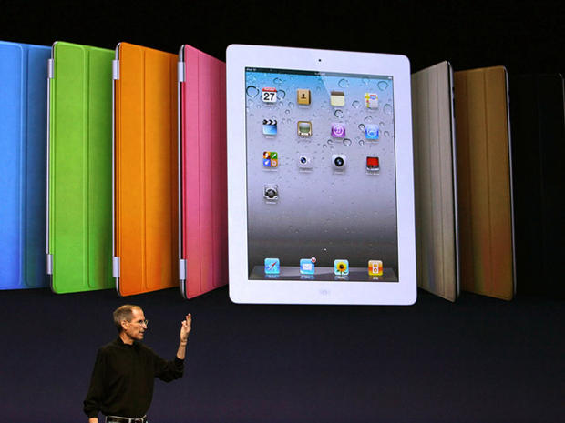 Steve Jobs unveils the iPad 2