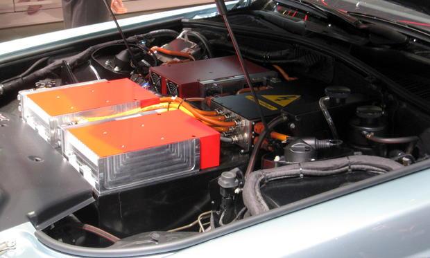 RR102EX_SS02.JPG